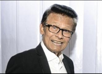 Penyanyi Senior dan Pembawa Acara Koes Hendratmo Meninggal Dunia di Usia 79 Tahun