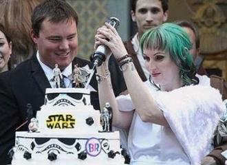 Keren! Pasangan Ini Gelar Pernikahan Ala Star Wars
