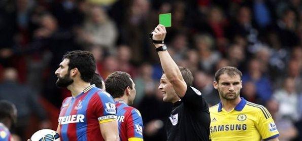 Wasit Sepakbola Punya Kartu Selain Kartu Kuning dan Merah!